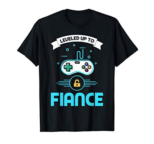Leveled Up To Fiance Vintage Retro Newly Engaged Couple T-Shirt