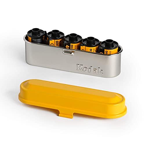 KODAK フィルムケース - 35mmフィルム5ロール用 - コンパクトレトロスチールケース フィルムロールの仕分けと保護用 (イエロートップ/シルバーボディ)