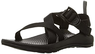 Open-toe athletic sandal featuring fast-drying webbing upper and adjustable pull-through strap system LuvSeat contoured footbed High-traction outsole Rear pull-on strap Vegan-friendly construction