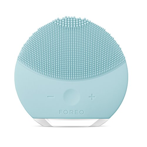 FOREO LUNA mini 2 Facial Cleansing Brush and Portable Skin Care device made with Ultra Hygienic Soft Silicone for Every Skin Type USB Rechargeable Mint