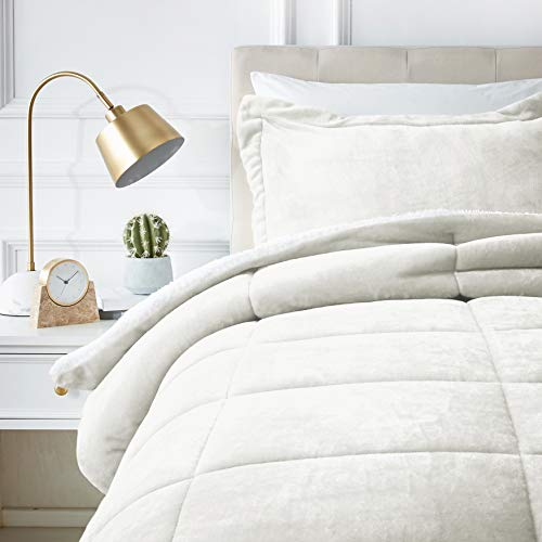 AmazonBasics Ultra-Soft Micromink Sherpa Comforter Bed Set, Twin, Cream - 2-Piece