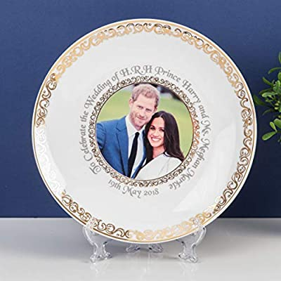 New Bone Chine Plate 20 cm To Commemorate the Marriage of HRH Prince Harry to Meghan Markle on 19th May 2018 Dimensions H205 x W205 x D20 mm Presented in a White Gift Box