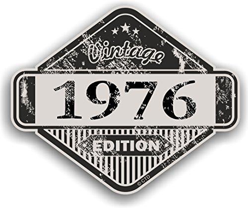Distressed envejecido Vintage 1976Edition Classic Retro vinilo coche moto Cafe Racer Casco Adhesivo Insignia 85x 70mm