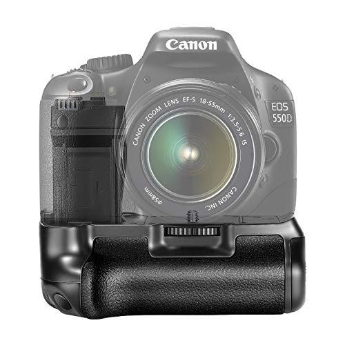 Neewer BG-E8 battery grip- (impugnatura supplementare) un dispositivo per fotocamere reflex che svolge essenzialmente due funzioni: aumentare lautonomia energetica della fotocamera;migliorare lergonomia (facilitando soprattutto gli scatti in verticale).Prodotto compatibile con Canon EOS 550D/600D/650D/700D Rebel T2i/T3i/T4i/T5i SLR, funziona con 1 o 2 pezzi LP-E8 o 6 pezzi batterie AA