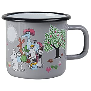 "Combining design with durability in this retro mug This 3,7 dl enamel mug features Moomintroll, Snorkmaiden and Moominpappa on a boat in front of a beautiful island. Approximate SIze: 9cm (dia) x 8cm(h)/3.5"" x 3.25"" Dishwasher safe"