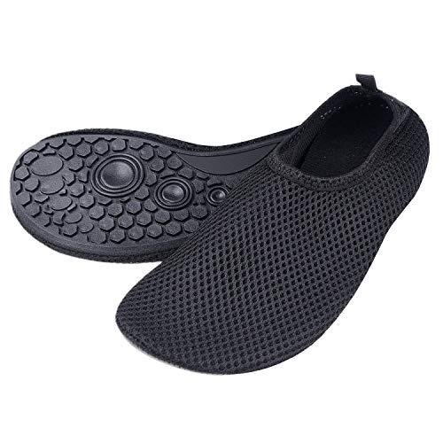 """Zapatillas de Agua para Mujeres – Extra Cómodas – Protegen contra la Arena, Agua Fría/Caliente – Calzado de Ajuste Fácil para Nadar (Negro) – (P)US para Mujeres:5.5-6.5/Longitud de la Plantilla: 9.06"""""""