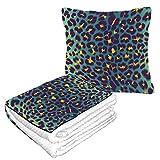 Well Traveled - Manta de viaje de piel de jaguar con textura de leopardo para avión, 50 x 60,23 pulgadas, cálida, suave, combinada, 2 en 1, juego de almohada y manta para avión, camping, viajes en co
