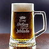 Regalo de jubilacin Personalizado: Divertida Jarra de Cerveza grabada con el Nombre del Jubilado o jubilada