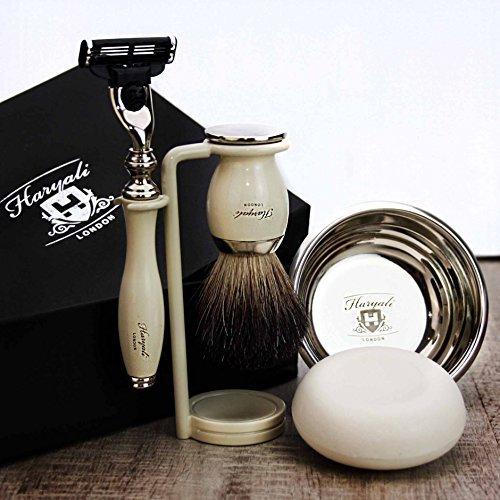 Haryali London - Kit da barba da uomo, 5 pezzi, con rasoio a 3 lame, pennello da barba in pelo di tasso, supporto per rasoio e saponetta, set perfetto per gli uomini