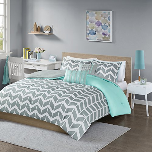 Intelligent Design Nadia Comforter Set, Twin/Twin XL, Teal