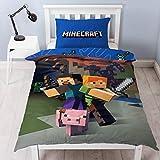 Les joueurs peuvent étendre l'univers Minecraft à leur chambre avec cette parure de lit colorée une place conçue dans le style Minecraft cube classique. La parure de lit sous licence officielle du jeu se compose d'une housse de couette réversible et ...