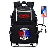 Mochila al Aire Libre para Adolescentes Stranger Things, Daypack Escolar Casual, Puerto de Carga USB, Senderismo de Viaje 17 Pulgadas estilo-34