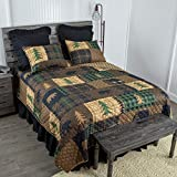 Donna Sharp Full/Queen Bedding Set - 3 Piece - Brown Bear Cabin Lodge Quilt Set with Full/Queen Quilt and Two Standard Pillow Shams - Fits Queen Size and Full Size Beds - Machine Washable