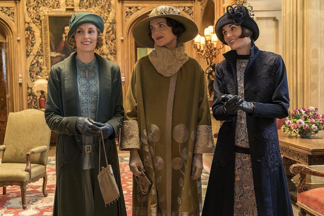 Elizabeth McGovern, Michelle Dockery, and Laura Carmichael in Downton Abbey (2019)