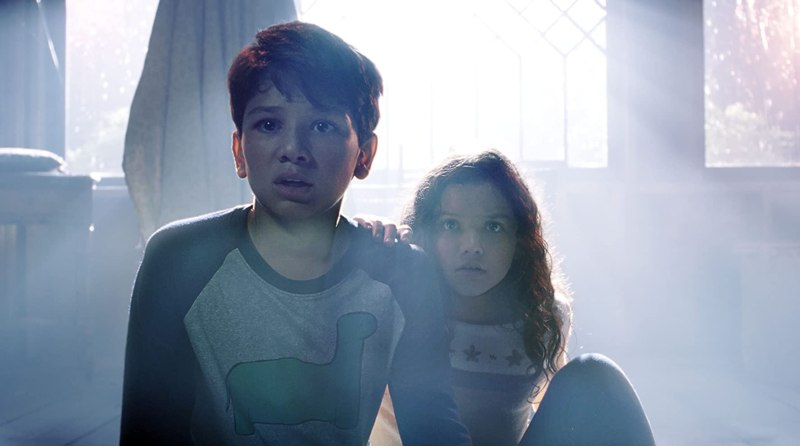 Jaynee-Lynne Kinchen and Roman Christou in The Curse of La Llorona (2019)
