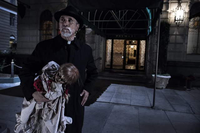 Tony Amendola in Annabelle (2014)