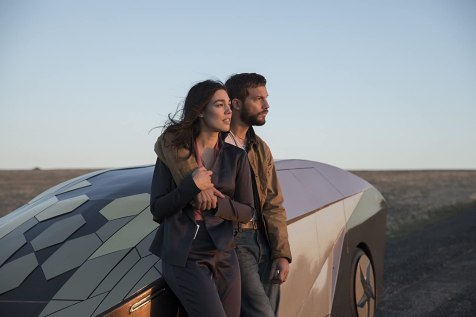 Logan Marshall-Green and Melanie Vallejo in Upgrade (2018)