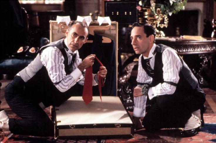 Martin Ferrero and Harry Shearer in Oscar (1991)