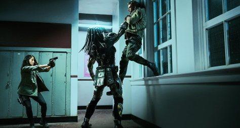 Olivia Munn & Boyd Holbrook in The Predator