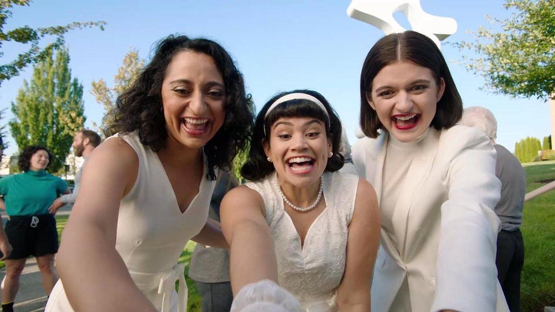 Sandy Honig, Alyssa Stonoha, and Mitra Jouhari in Cartwheel Club (2020)