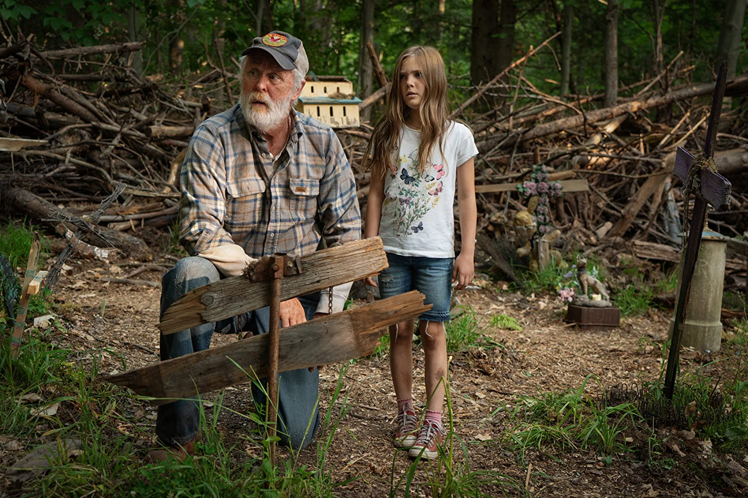 John Lithgow and Jeté Laurence in Pet Sematary (2019)