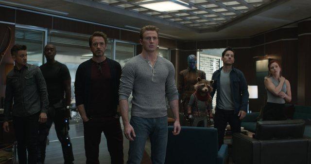 Don Cheadle, Robert Downey Jr., Bradley Cooper, Chris Evans, Scarlett Johansson, Jeremy Renner, Paul Rudd, and Karen Gillan in Avengers: Endgame (2019)