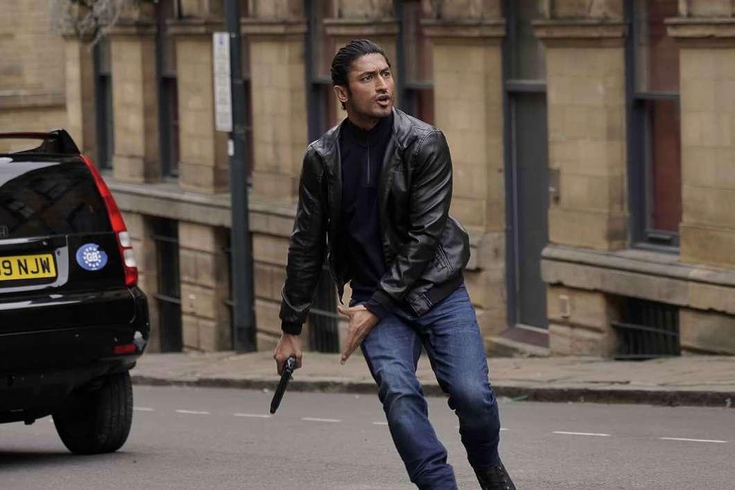 Download Commando 3 (2019) Hindi Movie Bluray