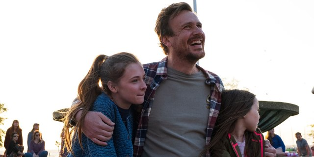 Jason Segel, Isabella Kai, and Violet McGraw in The Friend (2019)