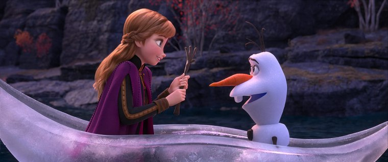 Kristen Bell and Josh Gad in Frozen II (2019)