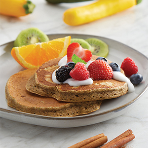 Whole grain pancakes with berries and yogurt
