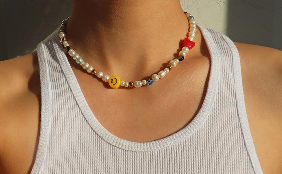 Fun fliry pearl choker necklace