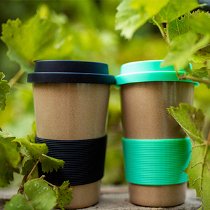 Reusable coffee cup with lids