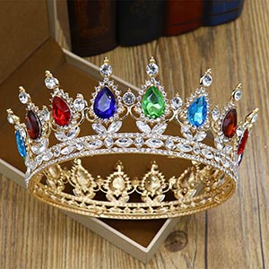 This legendary beauty evokes Crown Old World grace courtly  you shine on your wedding day!
