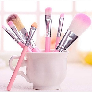 Steps to Clean Makeup Brushes