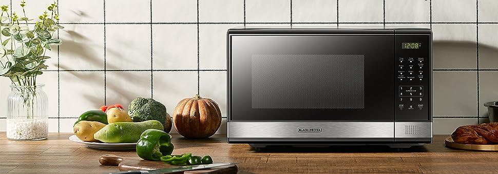 Black + Decker 1.1 Cubic Foot 1000 Watt Stainless Steel Microwave with Turntable