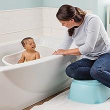 Banheira espaçosa para criança