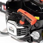 A 200C fűrész hatékony, tartós és megbízható kétütemű motorral van felszerelve