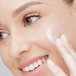 PÜR, moisturizer, face moisturizer, hydrating moisturizer, cloud moisturizer, light moisturizer