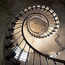 urbex; tromba delle scale; effetto ottico; spirale; fotografia; luoghi abbandonati
