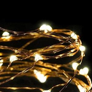 Sternenförmige Lichterkette.