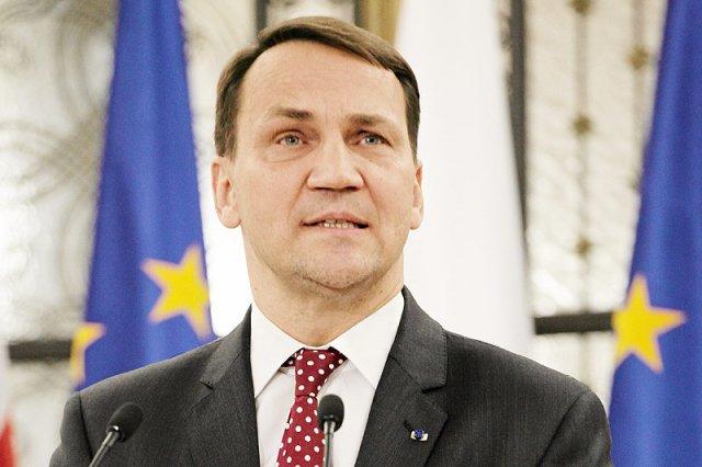 Marszałek Sejmu Radosław Sikorski sądził, iż wywiad dla Politico.com to... nieoficjalna rozmowa.