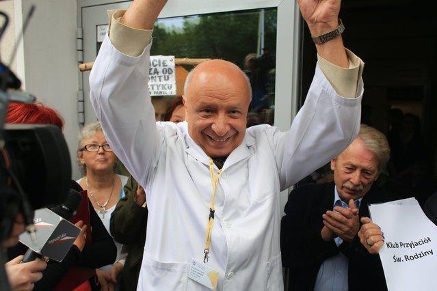 Kontrowersyjny Prof. Bogdan Chazan z pewnością jest zadowolony z wyroku Trybunału Konstytucyjnego ws. klauzuli sumienia.