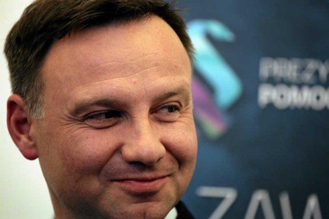 Andrzej Duda spędził wakacje w willi należącej do polskiego milionera, którego firmę łączono z infoaferą.