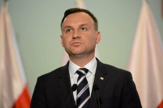 Andrzej Duda na pikniku patriotycznym w Pułtusku skrytykował obecne władze za stan gospodarki i niszczenie polskiej tradycji.