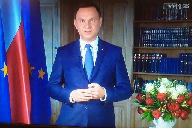 Prezydent Andrzej Duda proponuje nowe referendum. Kampania pod znakiem emerytur i ukłon w stronę PiS