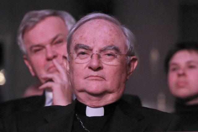 Arcybiskup Hoser dla wielu komentatorów nie jest postacią jednoznaczną.