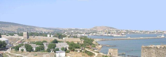 Panorama miasta i portu w Teodozji (Kaffa). Setki lat temu Polacy raczyli się podobnymi widokami.