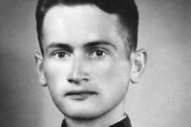 Wojciech Jaruzelski w mundurze LWP w czasach II wojny światowej.