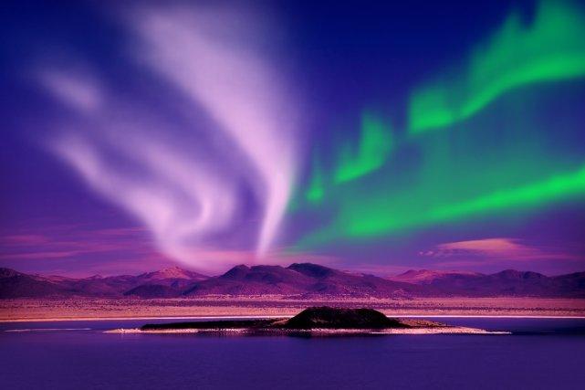 [url=http://shutr.bz/1c0TwEW] Aurora borealis [/url]