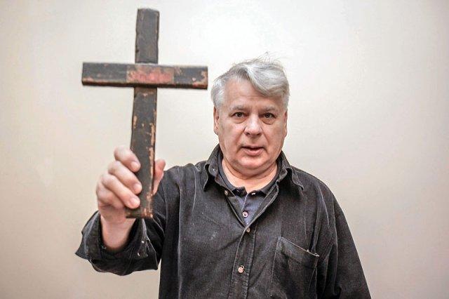 Marszałek Senatu Bogdan Borusewicz podczas niedawnego przekazania pamiątek z okresu opozycji w PRL do Europejskiego Centrum Solidarności w Gdańsku.